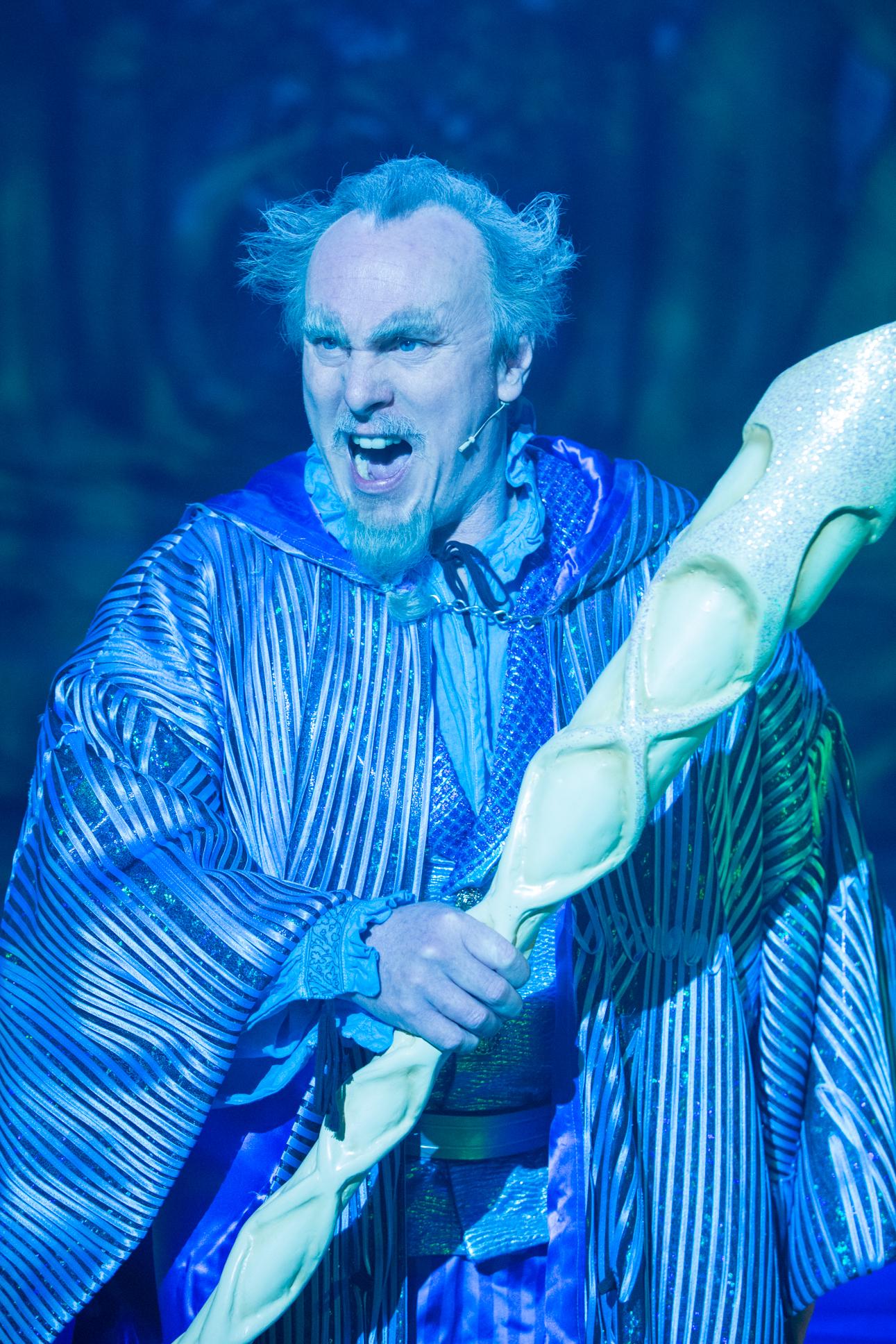 Sean Kingsley as Merlin. Photo Mike Kwasniak.jpg