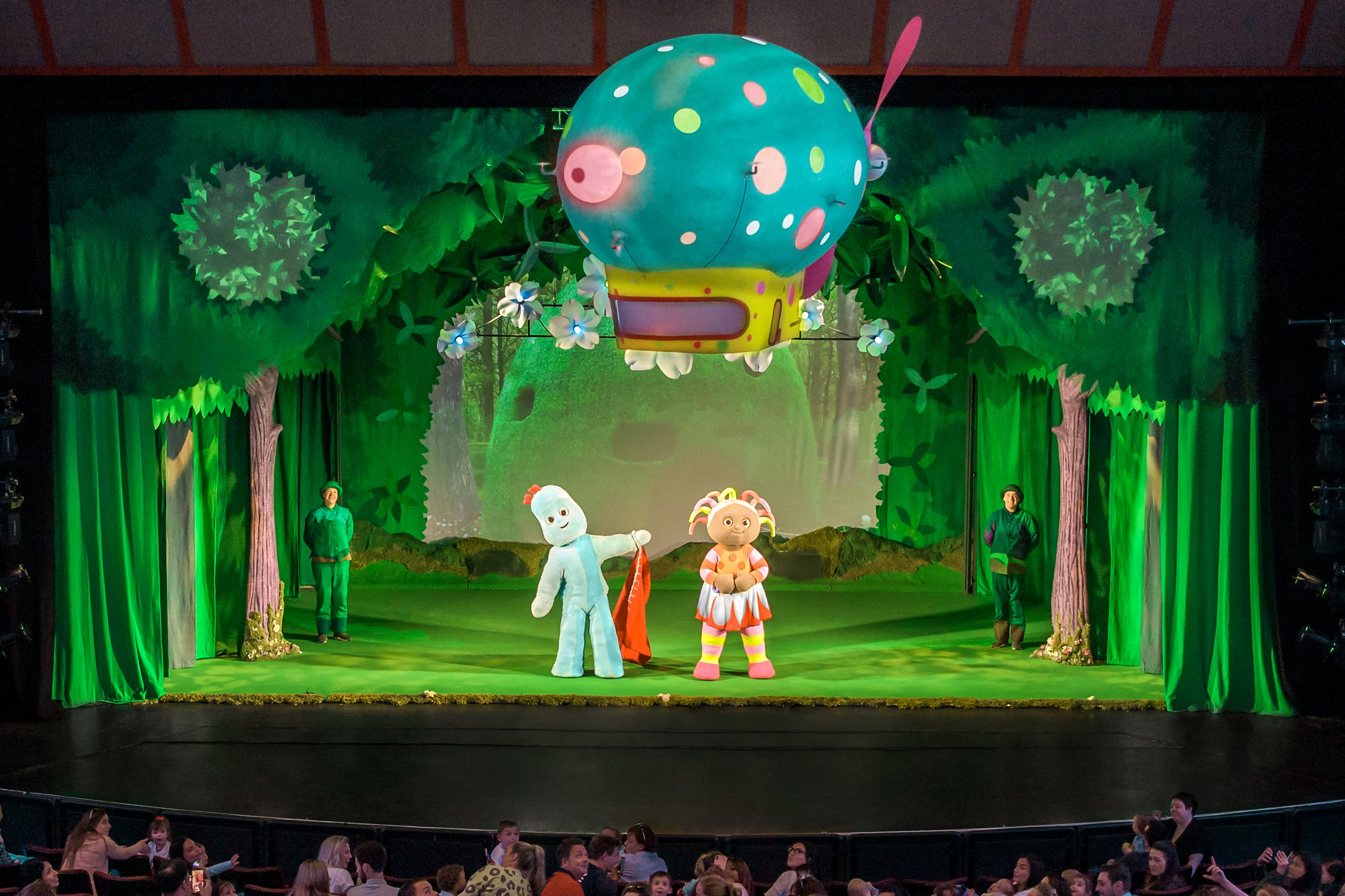 In The Night Garden Live Pinky Ponk Orb 1.jpg