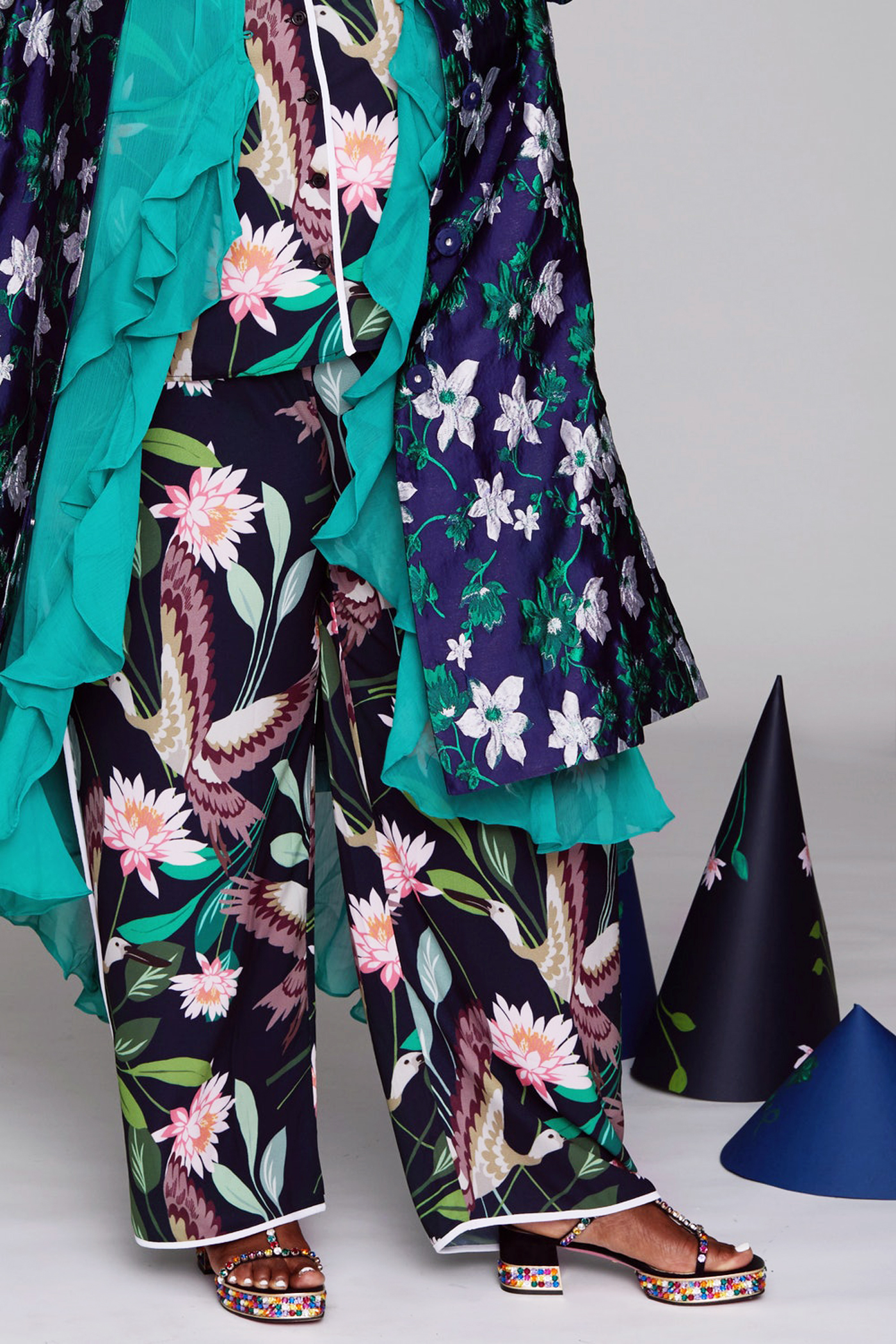 PlusSizedFashion_Look3_Florals_Detail.jpg