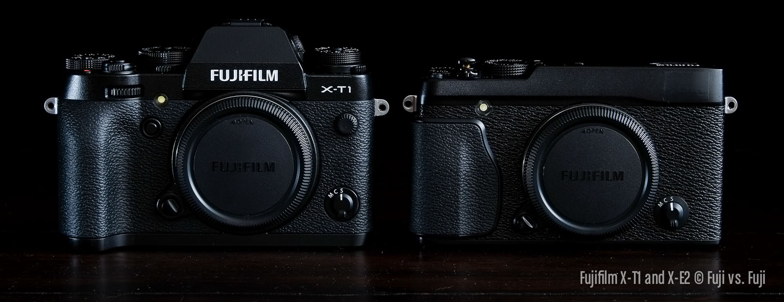 Front view. Pretty much the same. Only the viewfinder is making the X-T1 a little taller.