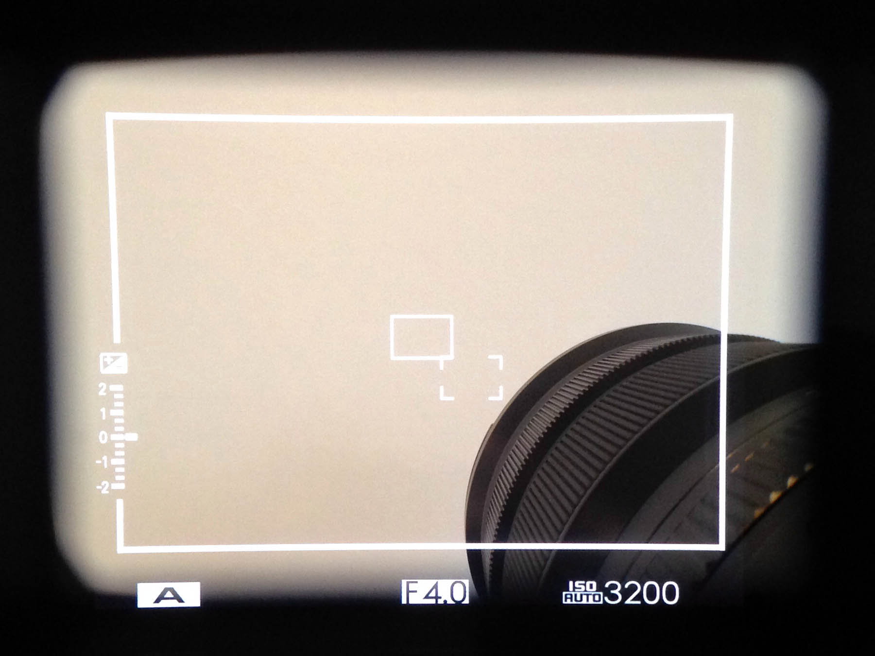 Amount of frame obstructed by 10-24mm ƒ/4
