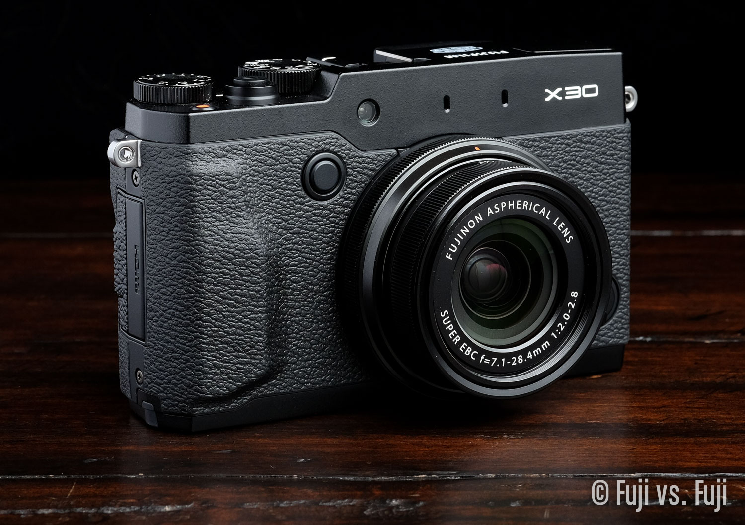 Fuji Fujifilm X30 Review.jpg