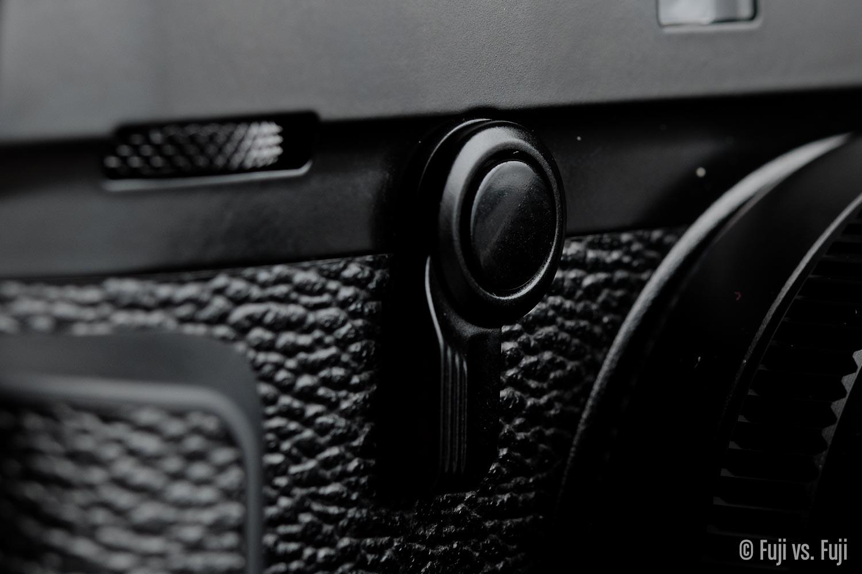 Fuji Fujifilm X-Pro2 viewfinder selector switch.jpg