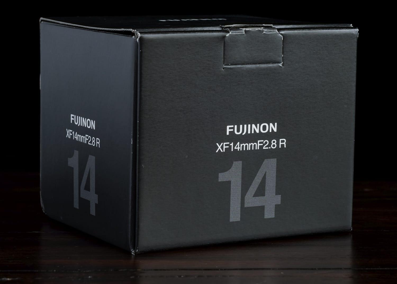 XF14mm F2.8 box