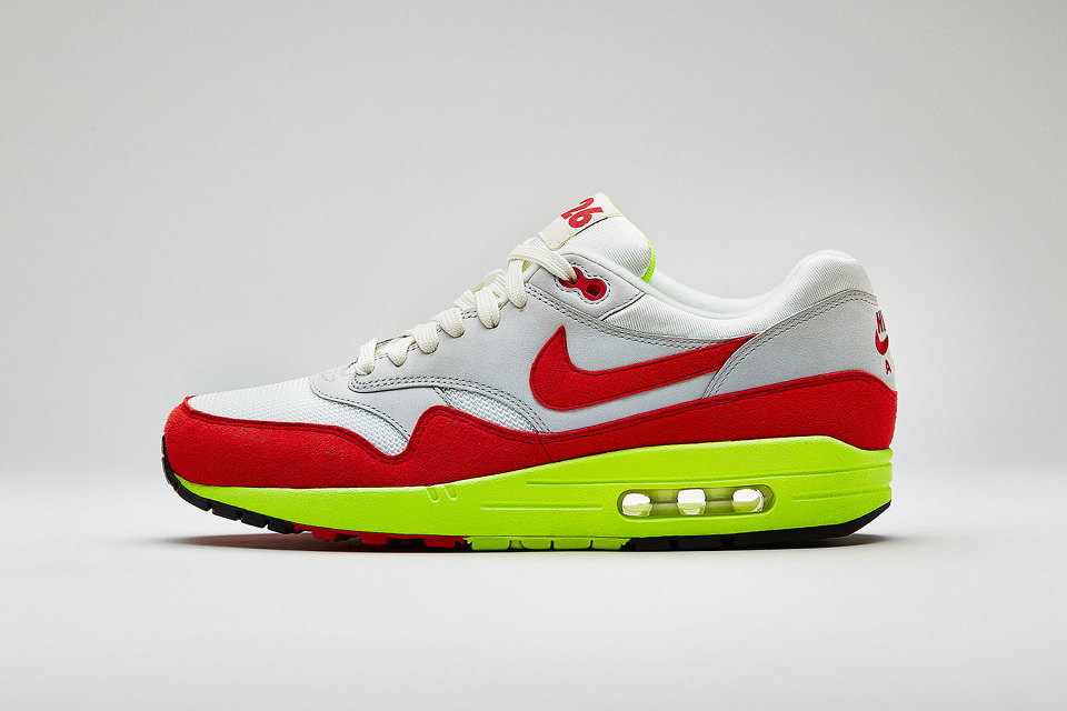 THE AIR MAX DAYAM 1 PREMIUM QS Celebrate the birth of an icon with a modern take on the one that started it all.