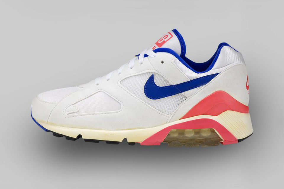 AIR MAX 180 (1991) How do you fit more Air into a running shoe? Start at the bottom – literally. The AM 180 displayed 180 degrees of visible cushioning beneath the mid sole.