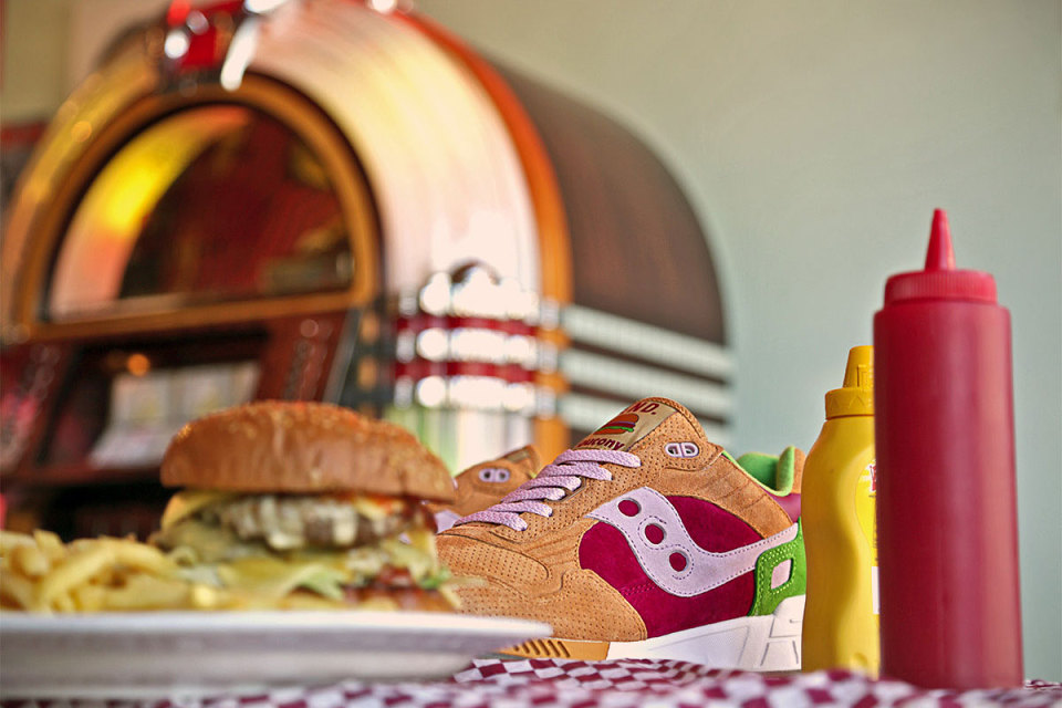"END x Saucony Shadow 5000 ""Burger"""