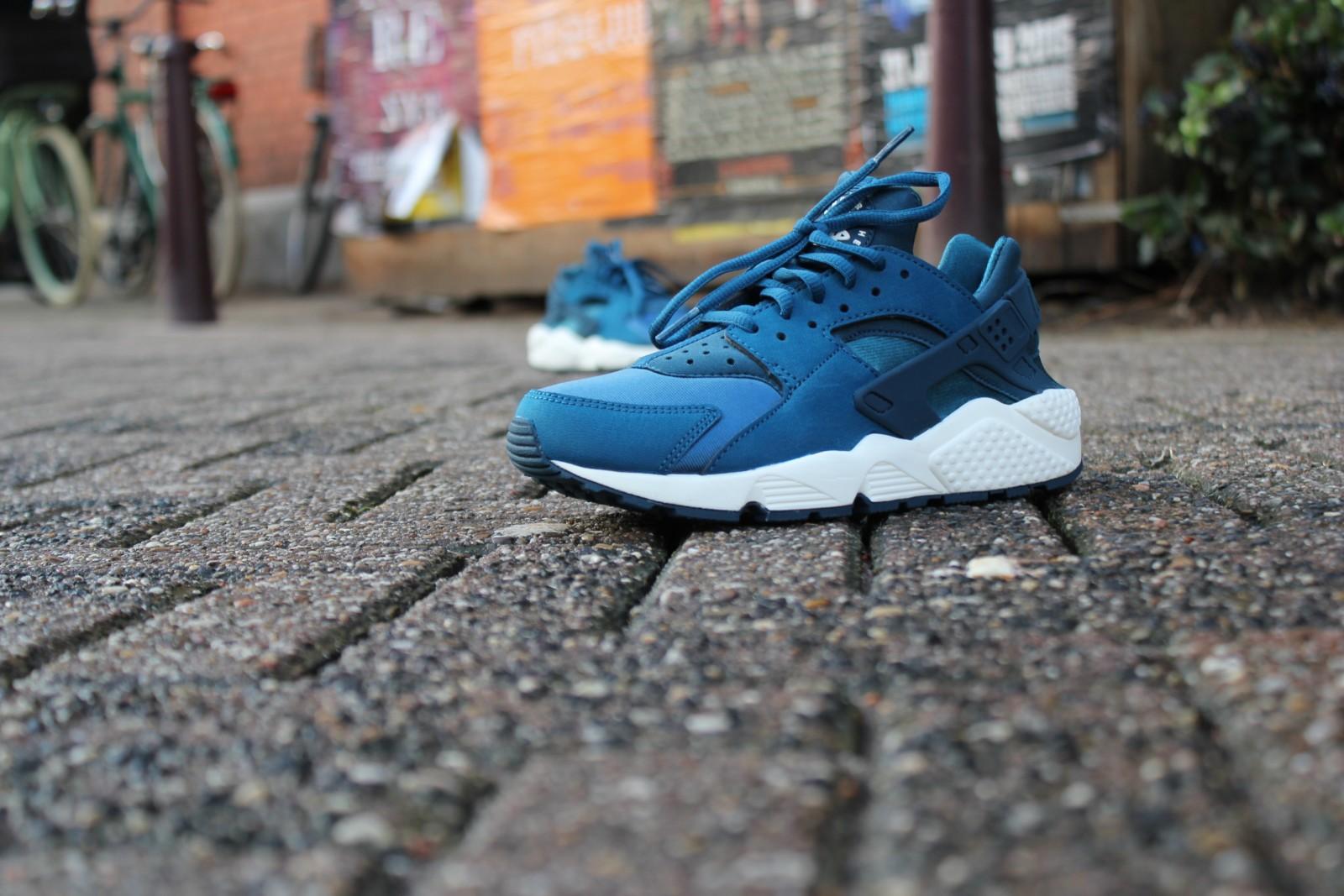 "Nike Air Huarache ""Blue Force"""