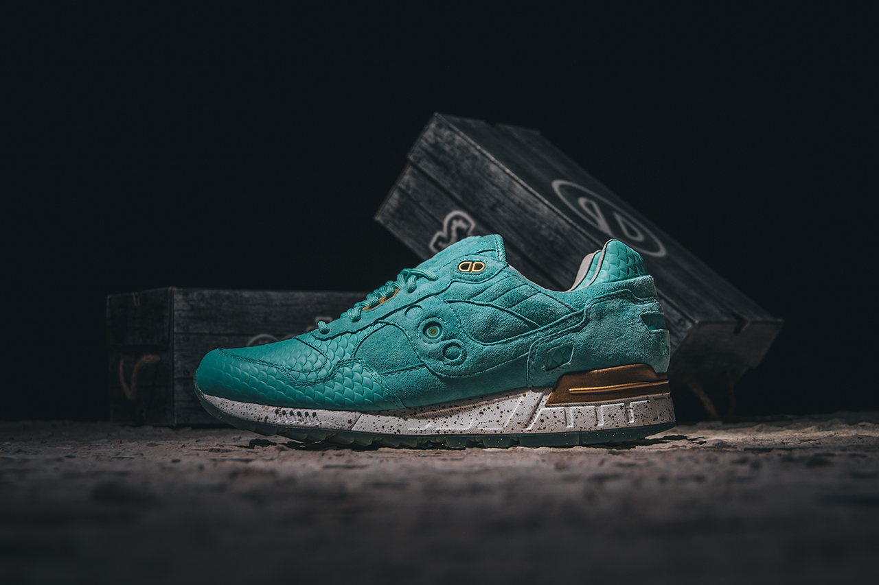 """Epitome x Saucony Shadow 5000 """"Righteous Ones"""""""