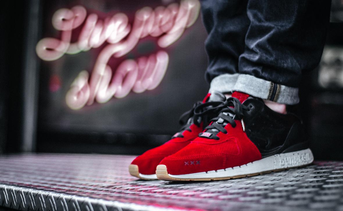 "SneakerBass x KangaROOS Coil-2 ""Sin City"""