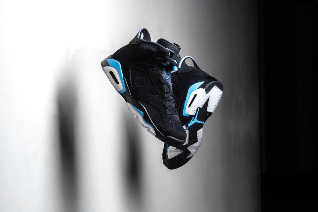 Air_JOrdan_6_Retro_Black_Carolinba_Blue_Sneaker_Politics_1.jpg