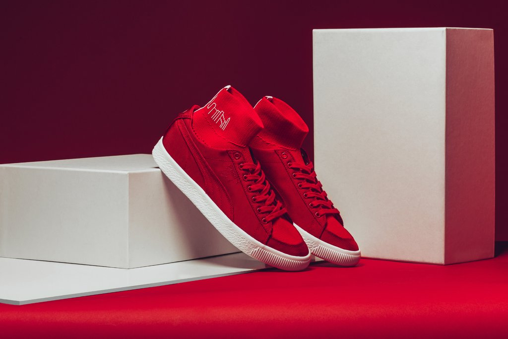Puma_x_Manhattan_Portage_Clyde_Zip_-_Burnt_Olive_-_366186-02_Clyde_Sock_-_High_Risk_Red_-_366185-02_-Feature-_LV-4003_1024x1024.jpg