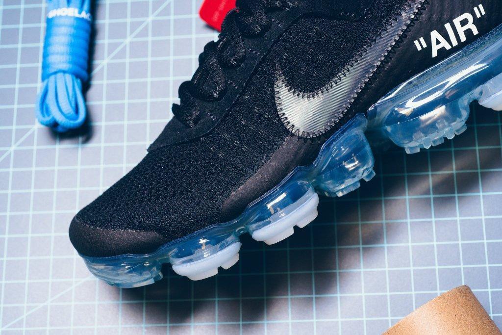 Nike_The_10_-_Nike_Air_Vapormax_Flyknit_Black_Clear_Total_Orange_AA3831-002_sneaker_politics_5-2_2048x2048.jpg