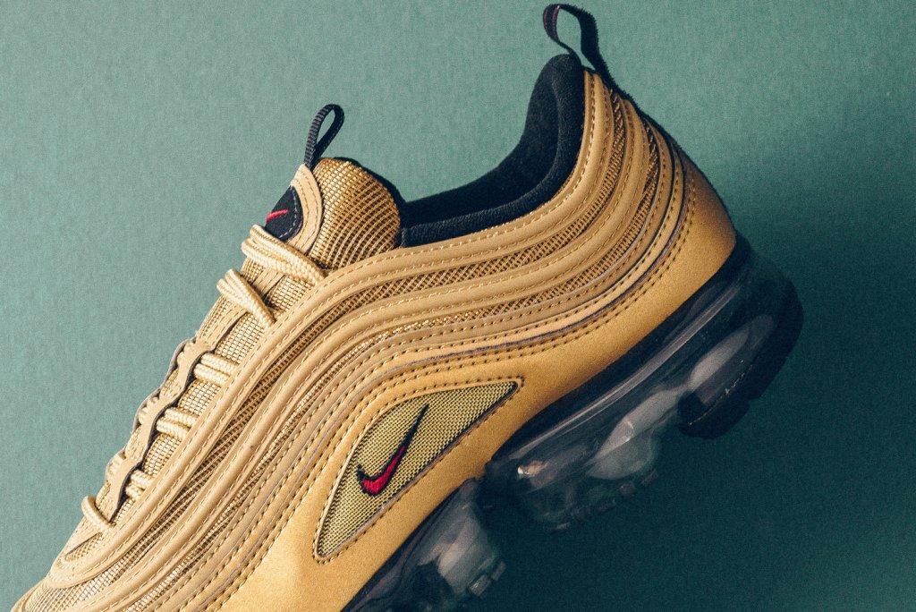 Nike_Air_MAx_97_Vapormax_gold_university_Red_sneaker_politics_6.jpg