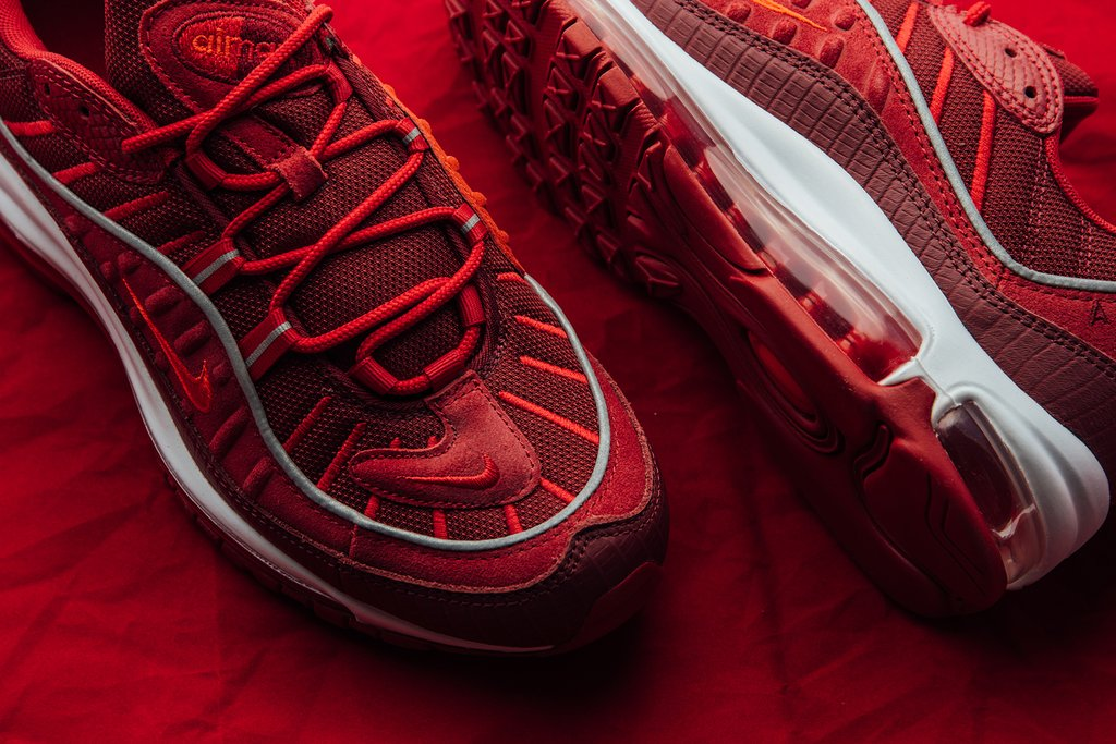 Nike_Air_Max_98_SE_-_Team_Red-Habanero_Red-Gym_Red-White_AO9380-600_May_17_2018-4_1024x1024.jpg