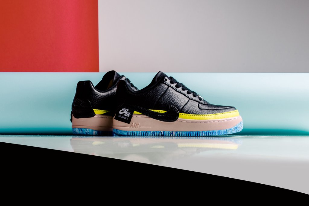 Nike_Women_s_AF1_Jester_XX_SE_AT2497-001_AT2497-002_-Feature-LV-0075_1024x1024.jpg