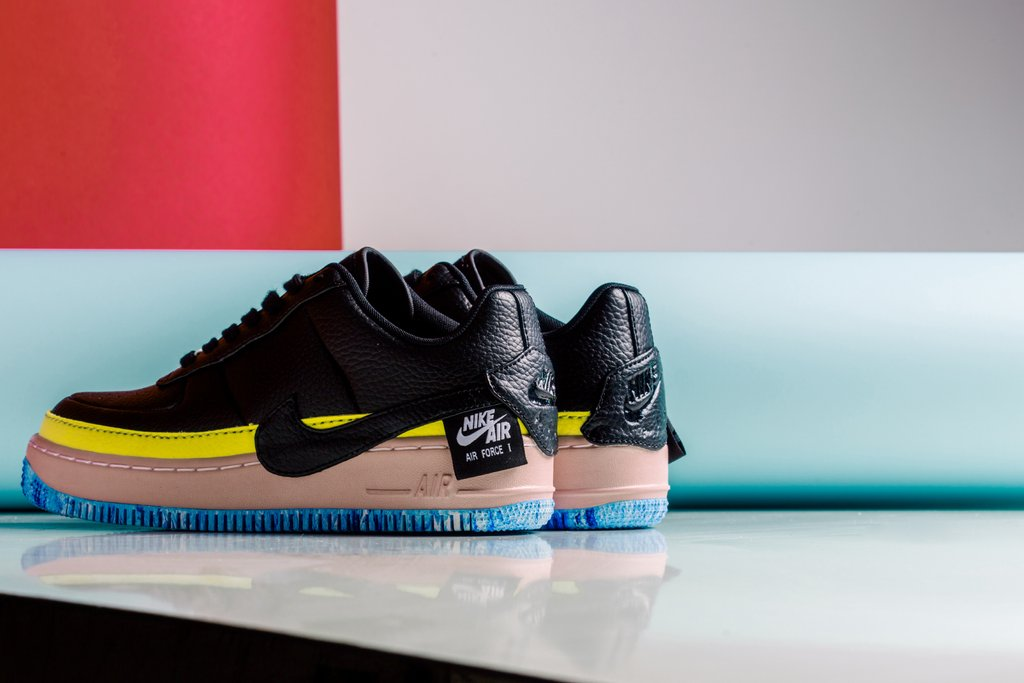 Nike_Women_s_AF1_Jester_XX_SE_AT2497-001_AT2497-002_-Feature-LV-0081_1024x1024.jpg