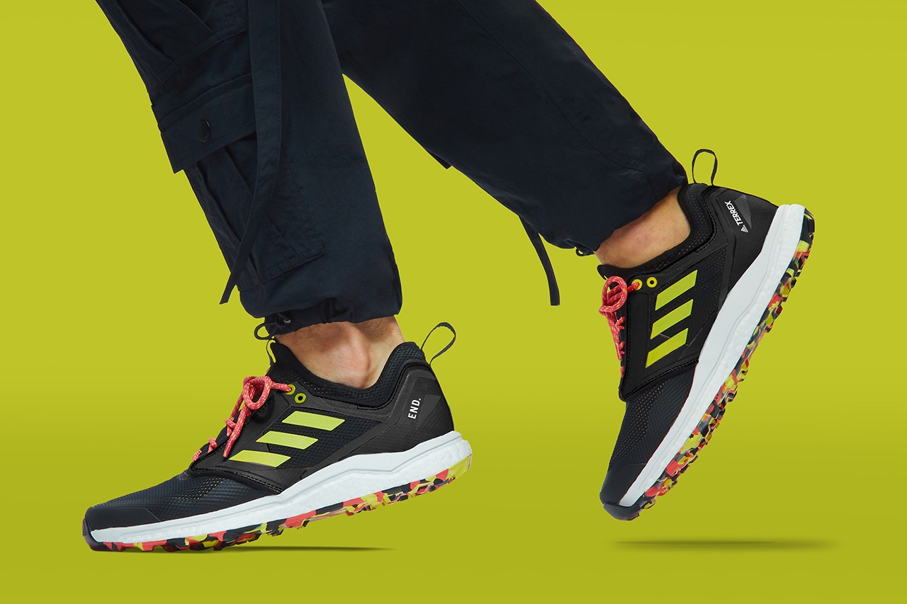 https___hypebeast.com_image_2019_03_end-adidas-consortium-terrex-agravic-xt-thermochromic-6.jpg