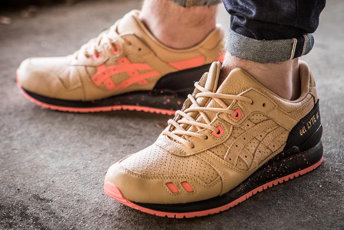 sneaker-freaker-asics-gel-lyte-III-on-foot.jpg