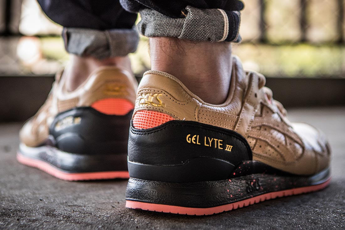 sneaker-freaker-asics-gel-lyte-III-on-foot-heel.jpg