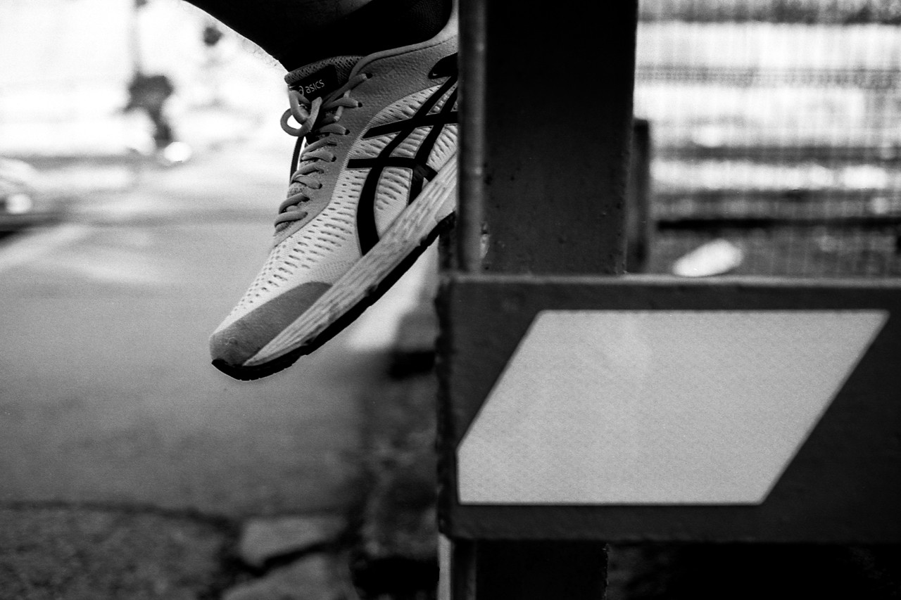 https___hypebeast.com_image_2019_06_reigning-champ-asics-clothing-capsule-collab-gel-kayano-5.jpg