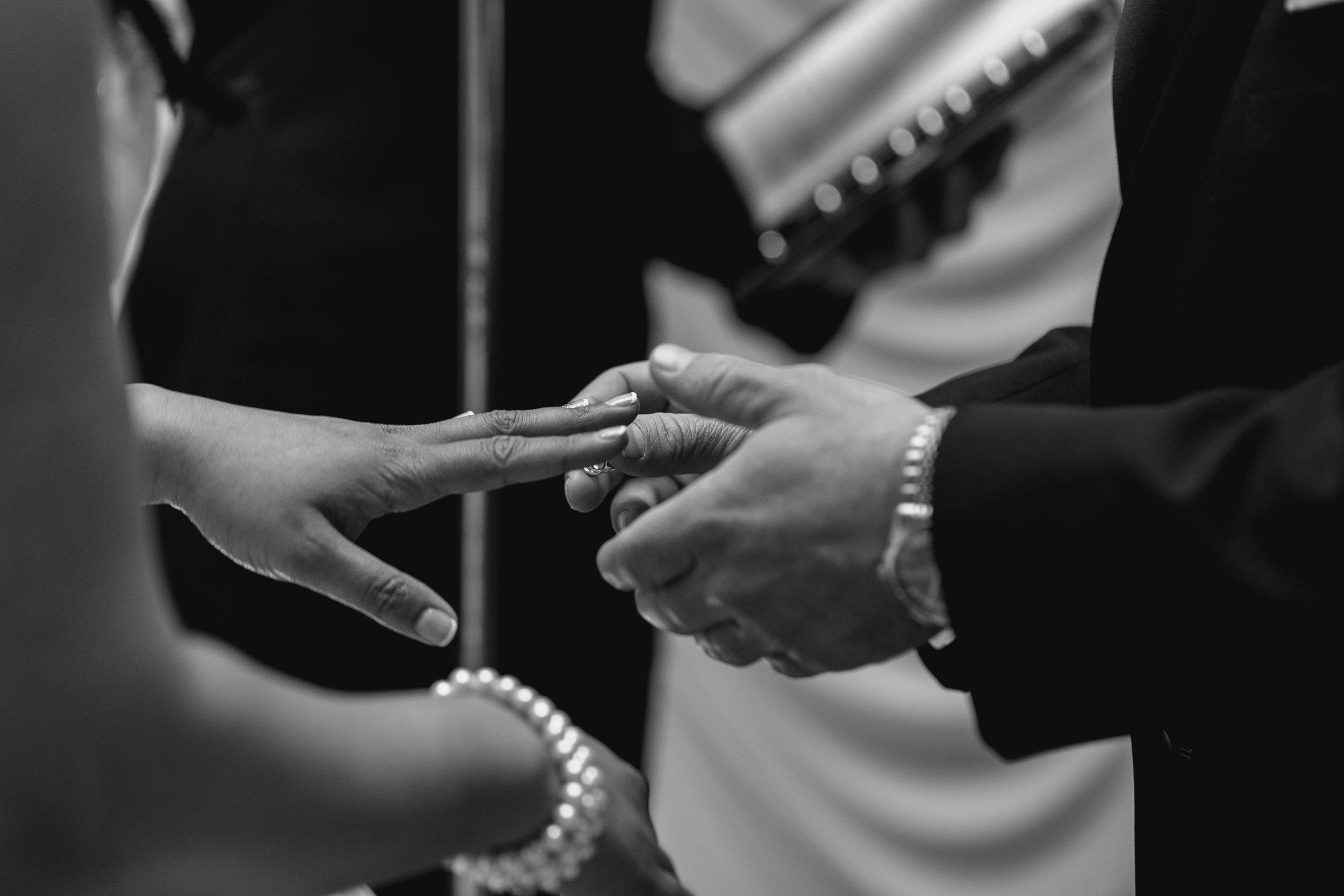 JVaughnPhotography-wedding-Huntley-Photographer-Chicago-Barringon-NW_Suberbs2.jpg