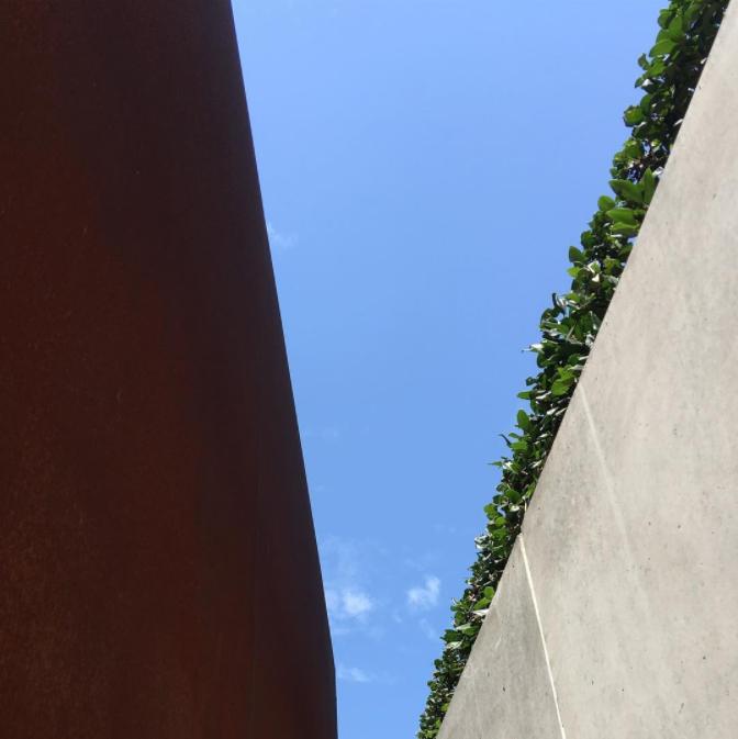 Played hometown architect tourist for a bit today... #sandiego   #downtownsandiego   #bluesky   #blueskyfordays   #architecture   #landscapearchitecture   #urbandesign   #publicspace   #corten   #cortensteel   #steel   #castinplaceconcrete   #richardmeier   #unitedstatescourthouse   #LEED   #LEEDGoldCertified   #modern   #moderndesign   #modernarchitecture
