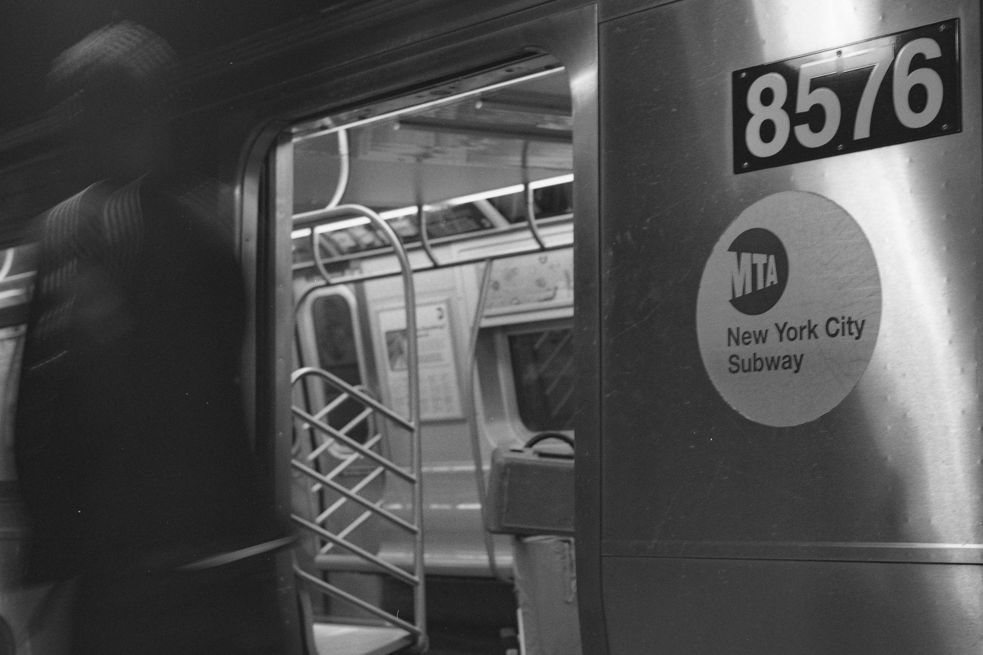 1st Ave. Manhattan N.Y