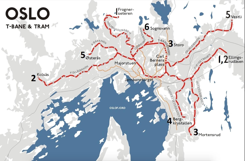 Opphavsman for illustrasjonskartetkartet ovenfor: Sansculotte     OM T-BANEN I OSLO    T-banen  eller  tunnelbanen  er et skinnegående, elektrisk transportsystem i  Oslo . Banen har pr. 2013 seks linjer, som har pendeldrift mellom øst og vest. Strekninga mellom  Majorstuen  og  Tøyen  stasjoner dekkes av alle linjer, og fungerer dermed som overgangspunkter. Mer enn førti prosent av kollektivreisene i Oslo foregår med banen.  Tunnelen som har gitt navn til banen dekker bare en del av linjenettet. På det meste av strekningene som kjøres er man over bakken. Den lengste sammenhengende tunnelstrekningen går fra  Majorstuen stasjon  til  Hasle stasjon  og er på 7,3 km.  Opprinnelig var T-banen kun navnet på de østlige linjene:  Østensjøbanen ,  Lambertseterbanen ,  Grorudbanen og  Furusetbanen . I den vestlige delen av byen hadde man  forstadsbanene . Disse ble kobla sammen etter at  Oslotunnelen  var ferdig, og i  1995  var alle linjer i pendeldrift. Navnet forstadsbane gikk da ut av bruk i offisiell sammenheng, selv om navnet fortsatt henger igjen blant mange brukere.  Det er ingen planoverganger og ingen kryssing av trafikk på samme plan, med unntak av  Frognerseterbanen . Langs skinnene går en strømskinne som forsyner elektromotorene. Overgangen fra luftledning til strømskinne gikk gradvis etter sammenkoblinga av østlige og vestlige linjer; i øst fikk man tidlig strøm langs bakken, men den i vest gikk i luftledning. Overgangen ble fullført først i 2010. Det er installert automatisk bremseanlegg som sikrer god avstand mellom togene, og som bremser ned tog som kjører for fort. Togene er på opptil seks vogner. Det ble i 2009 foretatt 74 millioner reiser med T-banen.  Drifta er lagt til  Oslo T-banedrift , et datterselskap av  Oslo Sporveier . Billettene er felles for alle enheter under  Ruter , med overgang til og fra buss, trikk, tog og båt.  Linjene er fra 3. april 2016:  Linje 1:  Frognerseteren  –  Helsfyr  ( Bergkrystallen  i rushtid)  Linje 2:  Østerås  -  Ellingsr