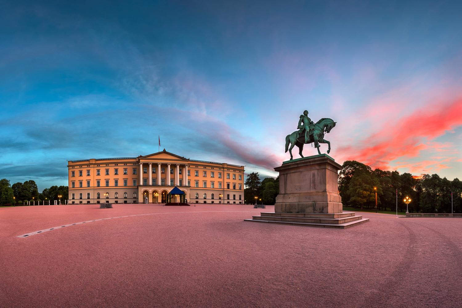 Oslo-royal-palace-449952094.jpg