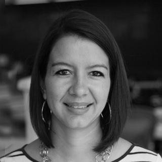 Laura Estrada  Arquitecta y Diseñadora