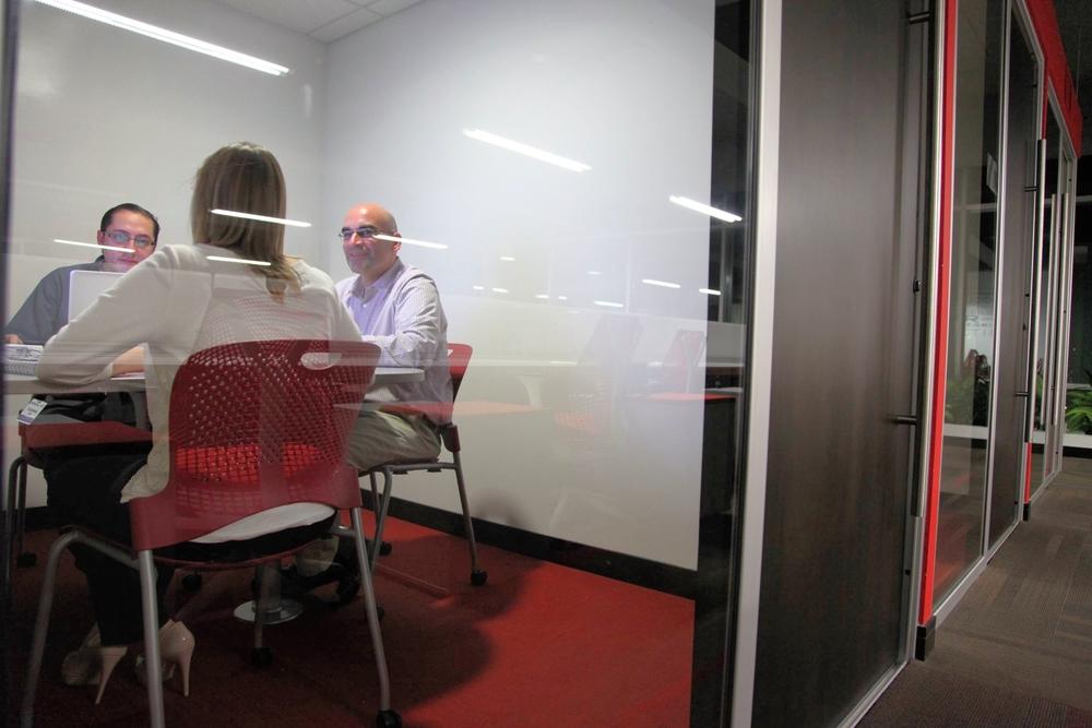 Salas de reuniones flexibles en tamaño y cantidad.