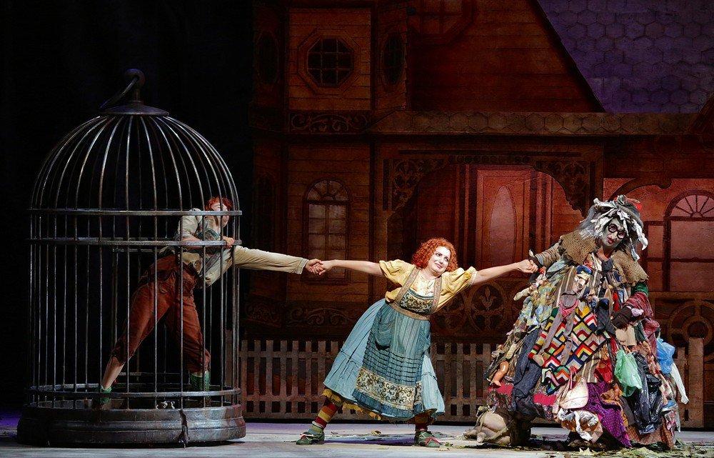 Hänsel-and-Gretel-photos-by-Brescia-and-Amisano-Teatro-alla-Scala-03.jpg