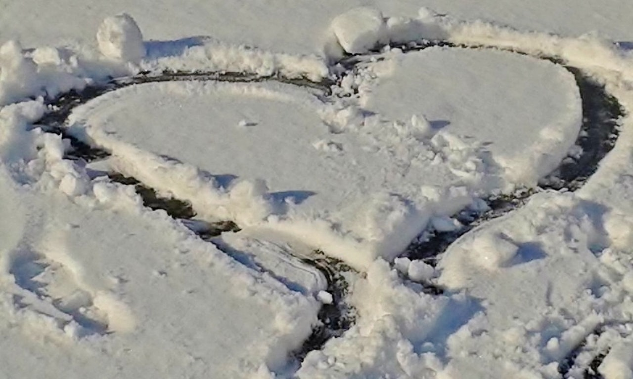snow-snow-heart-heart-winter-159829.jpeg