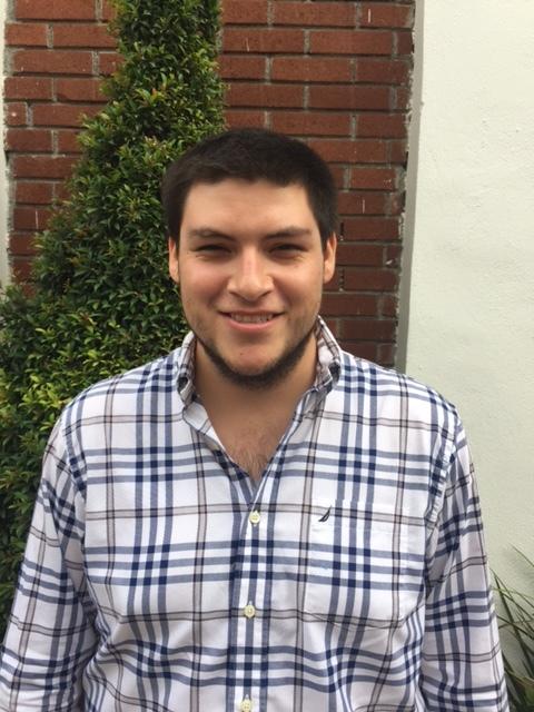 Gustavo A. Cárdenas Menchaca. 25 años. Estudiante de 9no semestre de CEDIM. Diseño industrial.