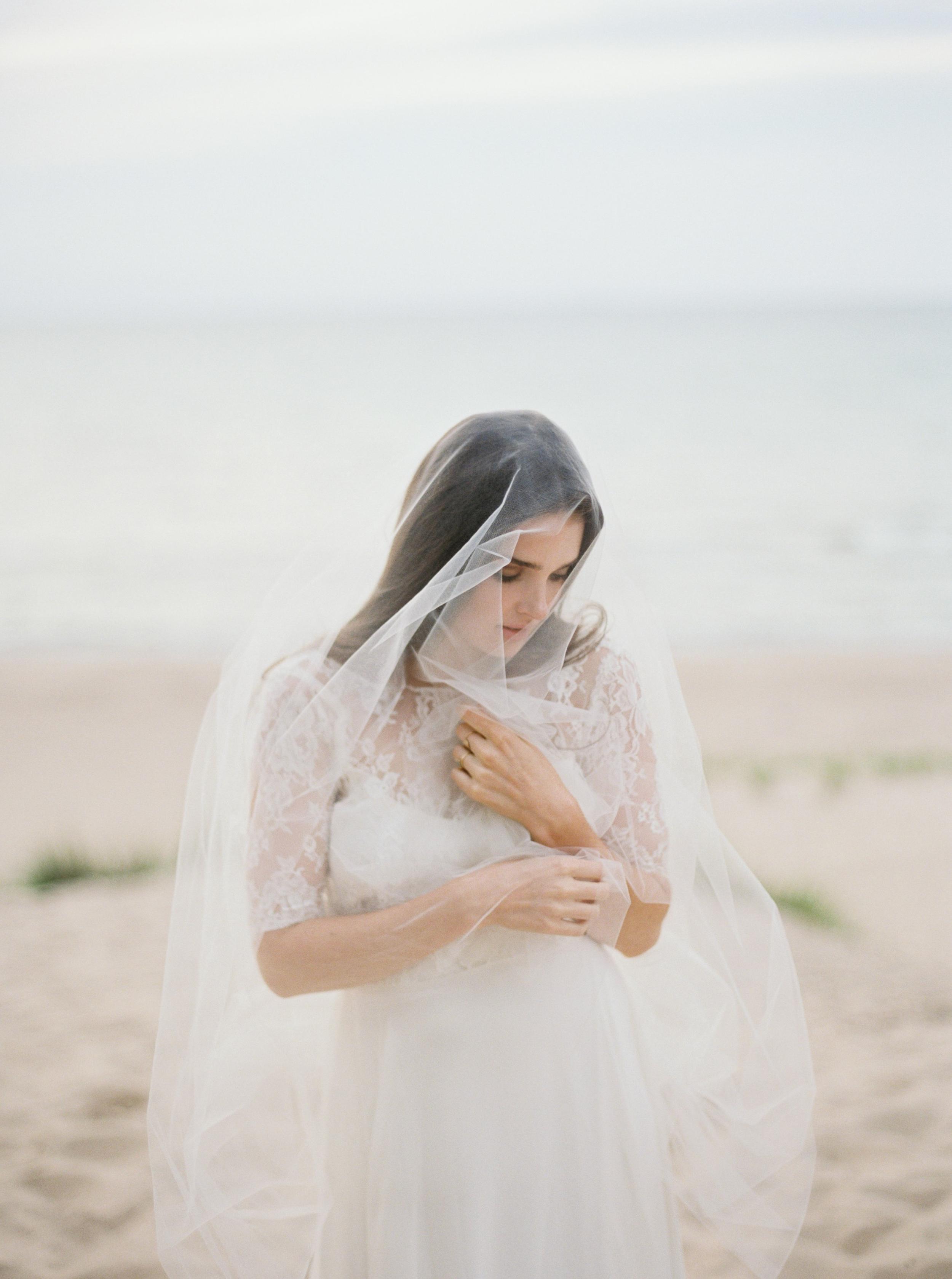 Kyle John l Fine Art Wedding Photography l Chicago, Copenhagen, California, New York, Destination l Blog l Jessica W_7