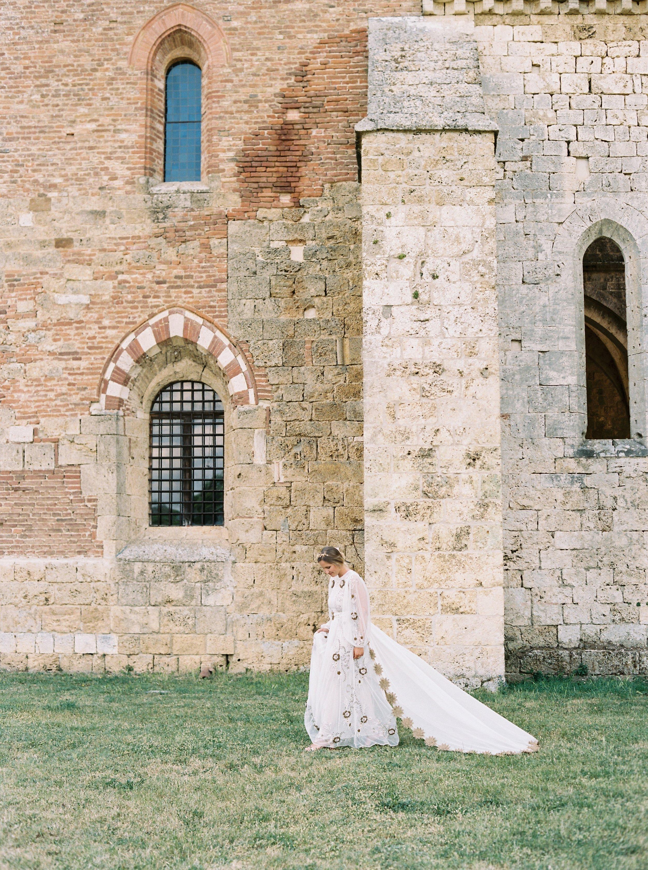 Kyle John l Fine Art Wedding Photography l Chicago, Copenhagen, California, New York, Destination l Blog l Alexis and Zach_Borgo Santo Pietro_Italy_Tuscany_49