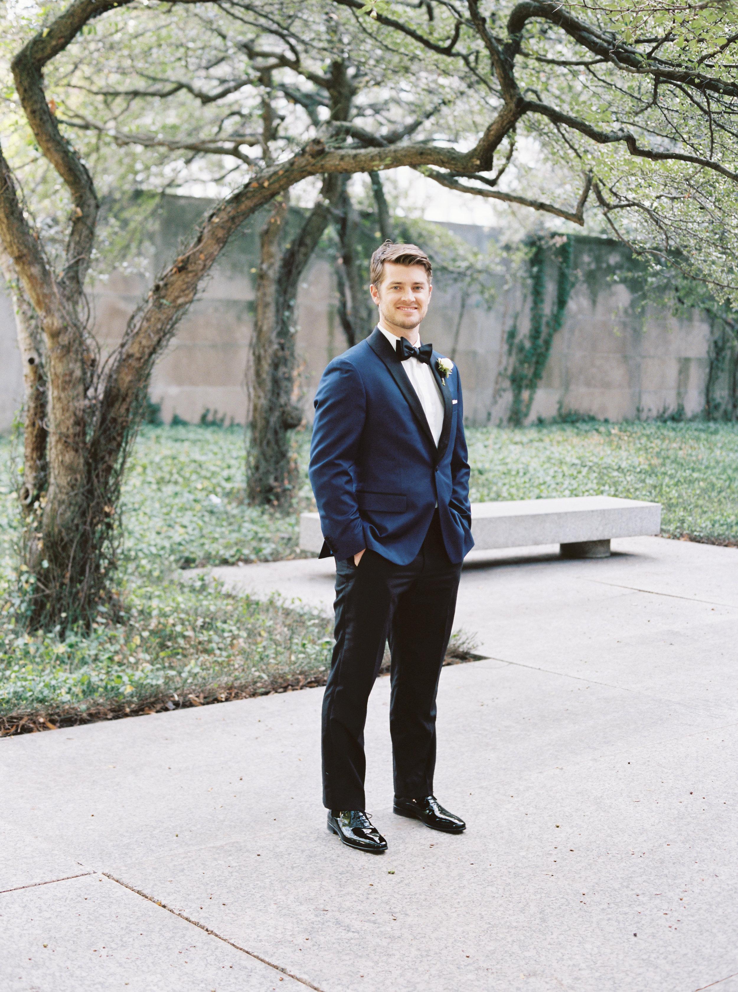 Kyle John l Fine Art Wedding Photography l Chicago, Copenhagen, California, New York, Destination l Blog l Maria and Eric_University Club of Chicago_23