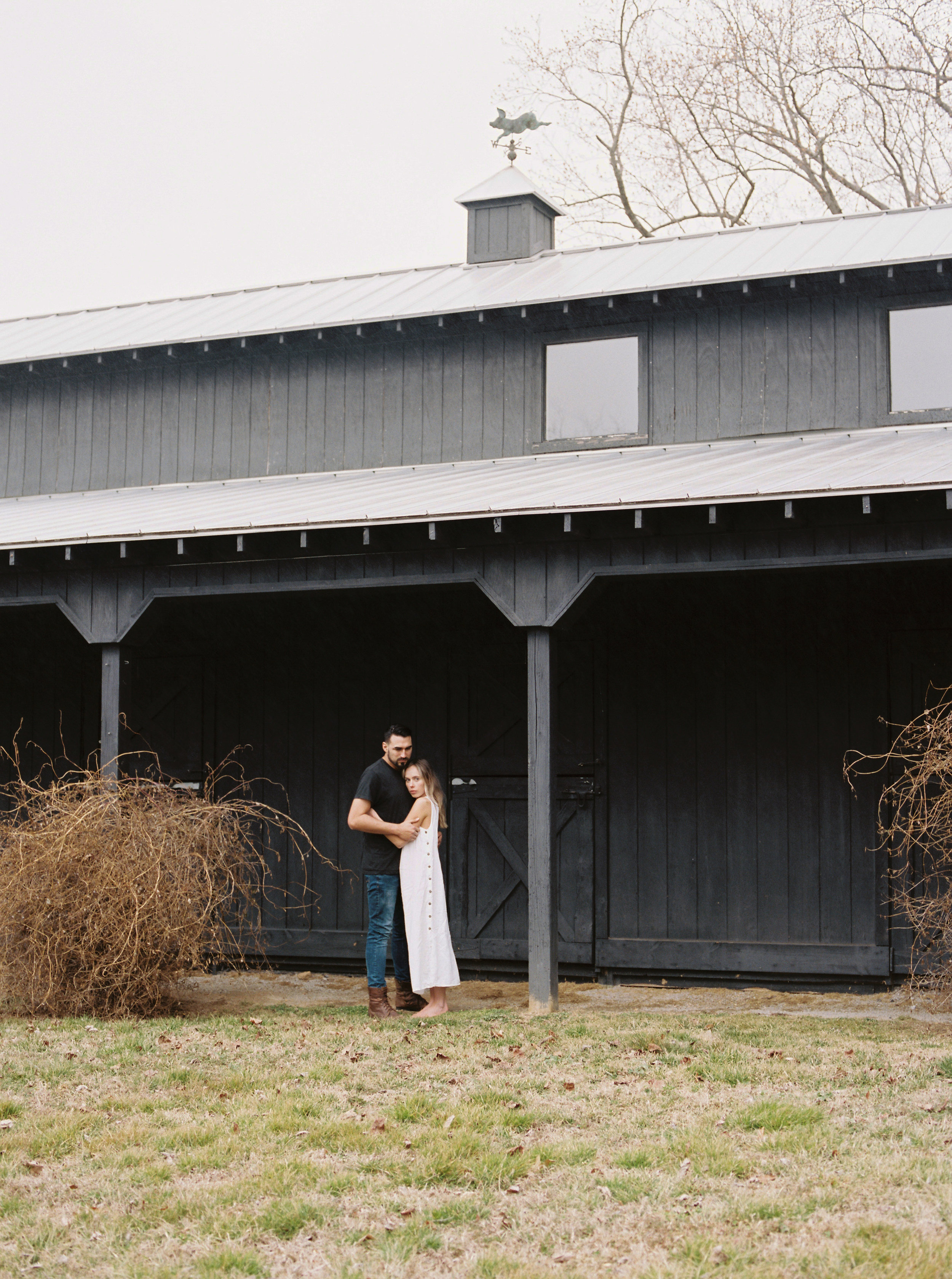 Kyle John l Fine Art Wedding Photography l Chicago, Copenhagen, California, New York, Destination l Blog l Jessica Sloane_Bloomsbury Farm_Nashville_26