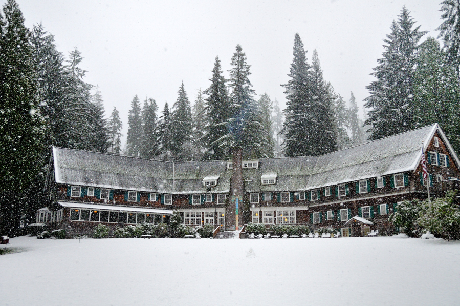 lodge with snow for web.jpg