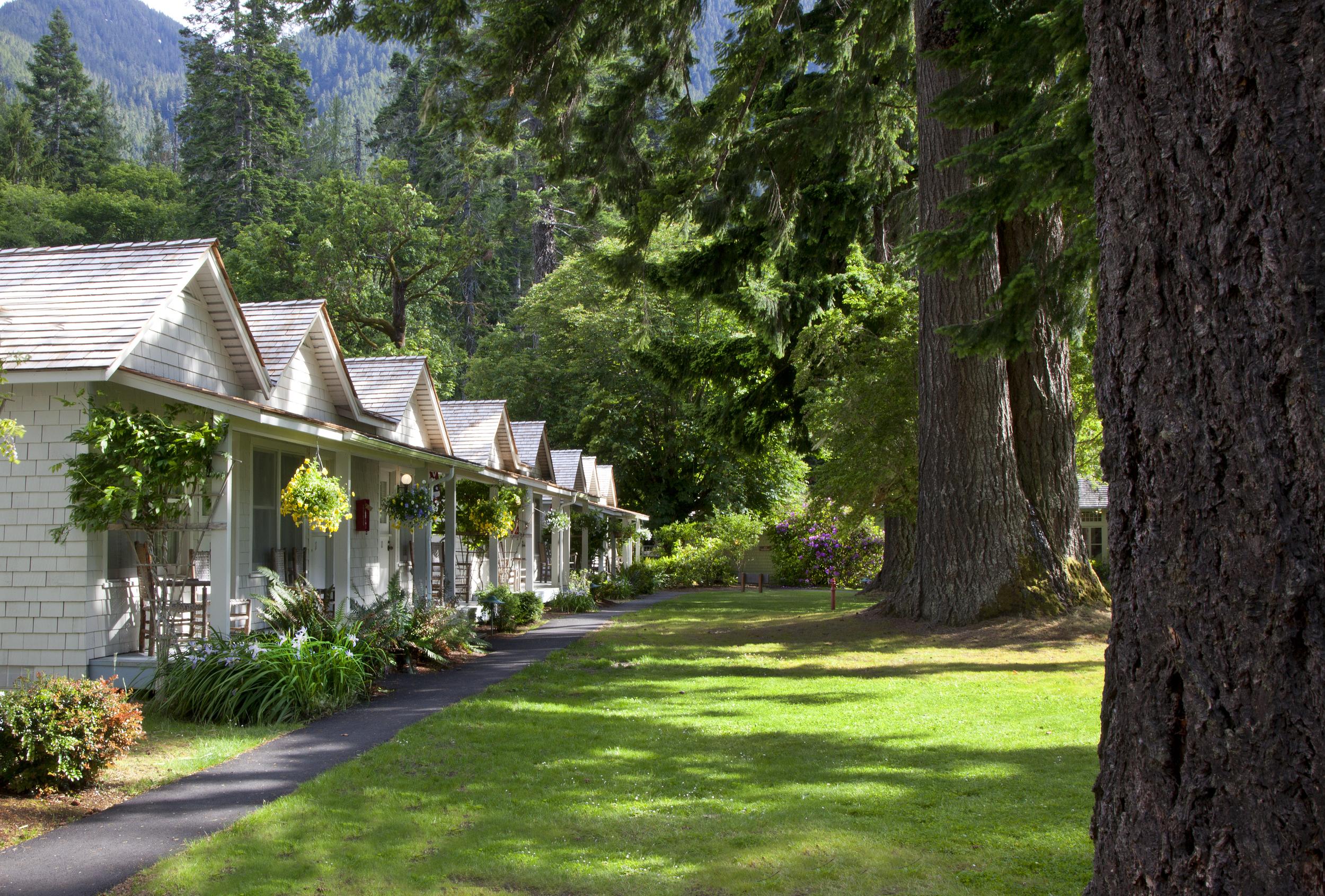 Lake Crescent - Singer Tavern Cottages (4).jpg