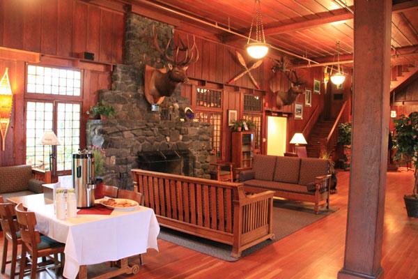 Lake-Crescent-Lodge-Lobby.jpg