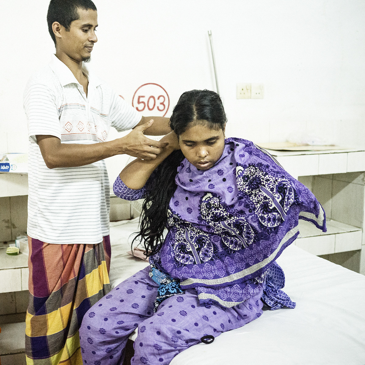 Rozina Begum, another survivor of the Rana Plaza collapse, lost her entire left hand during the collapse. She had to saw it off herself, while stuck under a beam.