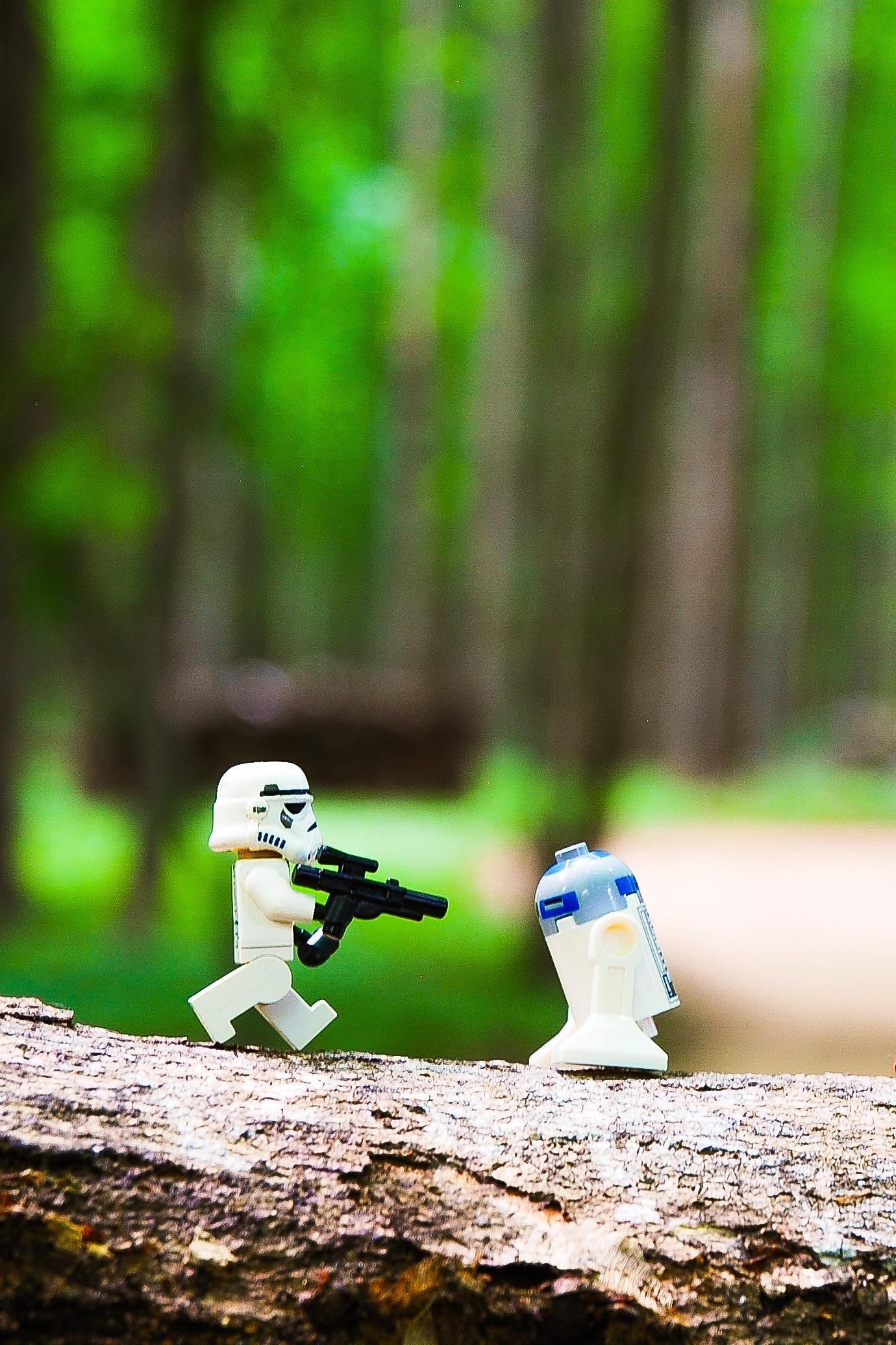 R2, Free Wallpaper