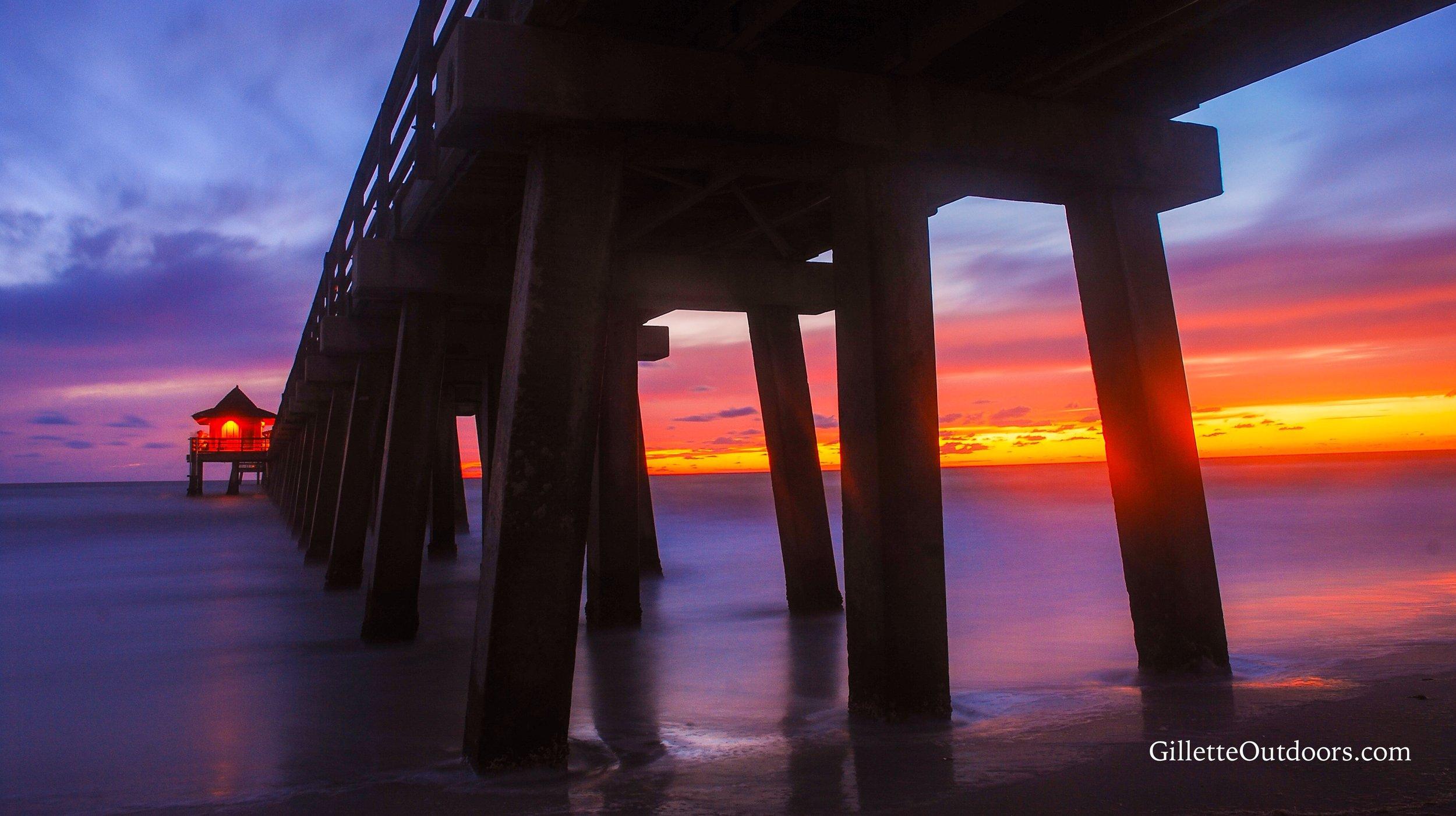 Napels Pier Sunset WM.jpg