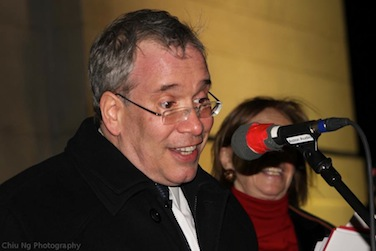 scott_stringer_tree_lighting_washington_square.jpg