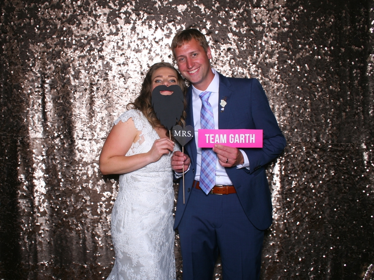 Januik Winery Wedding / Radiant Photo Booths