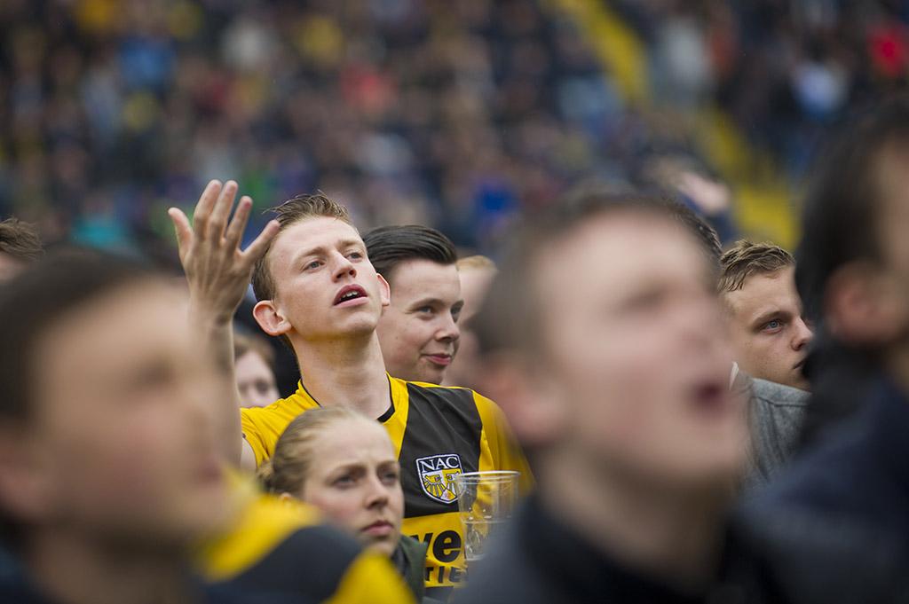 de emoties lopen op tijdens de wedstrijd