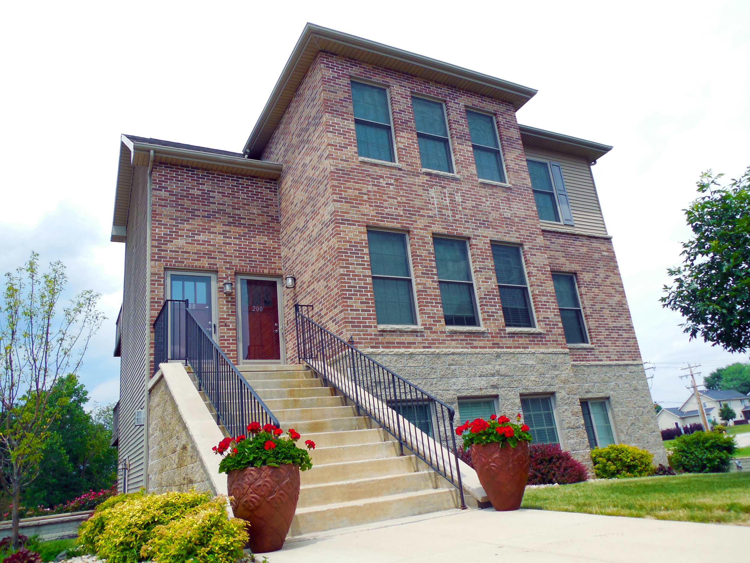 St. Ivans Apartments at Fox Creek | Bloomington, IL