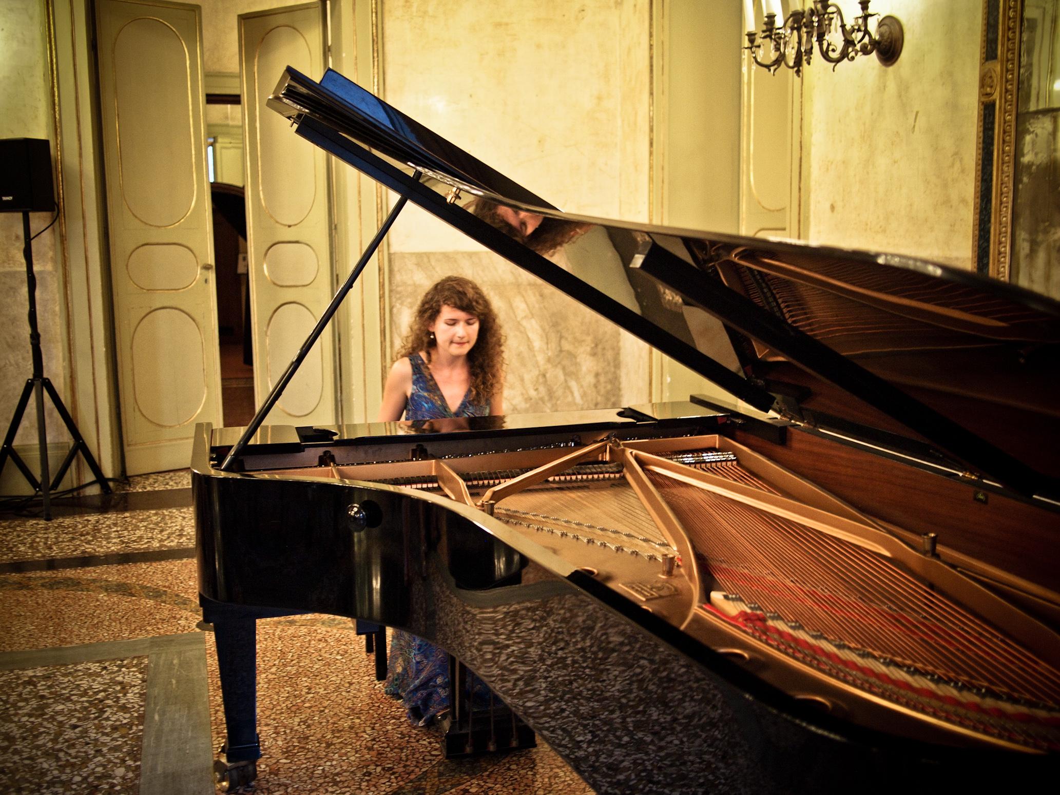 Joanna Rozewska, Poland